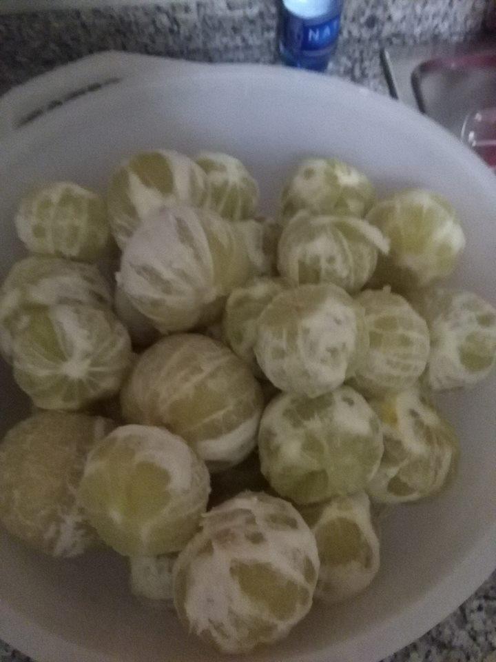 frutti di bergamotto sbucciati